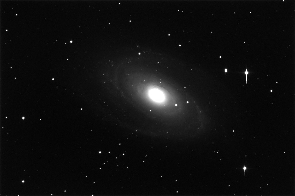 Messier 81. 600 seconds of exposure, unguided, with the PW17 unit