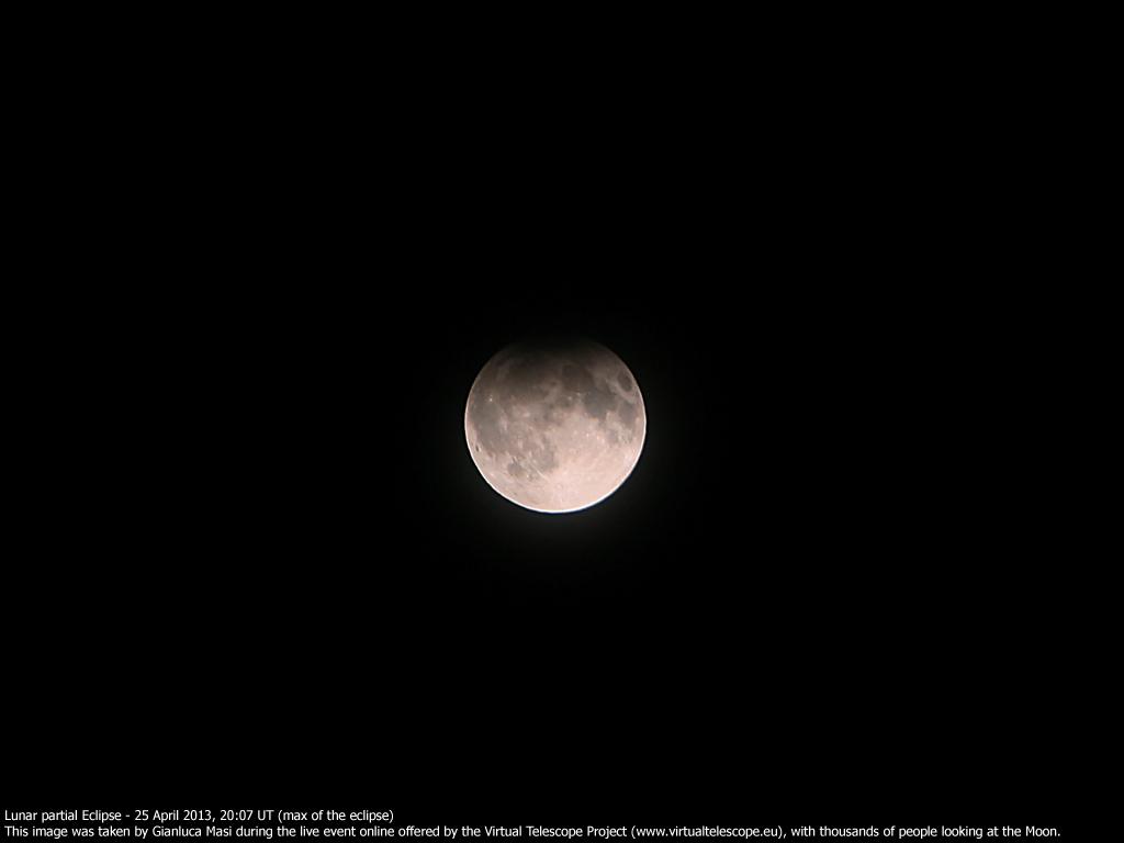 Partial Lunar Eclipse - 25 April 2013: maximum of the eclipse)