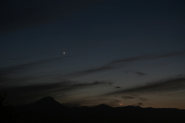 Venus, Mercury and a very young Moon (from the upper left to bottom right). 15 April 2010. 18.15 UT