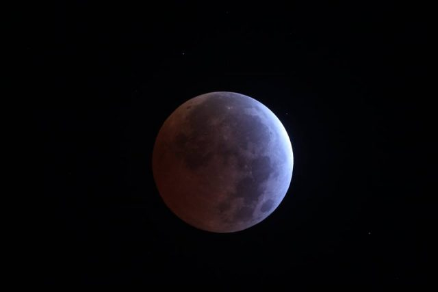 4 April 2015 lunar eclipse: the maximum eclipse arrived started (Andrew Wall)