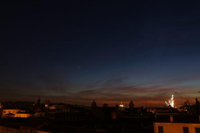 Venus, Jupiter and fireworks celebrating Peter and Paul, patron Saints of Rome: 29 June 2015