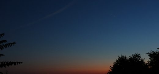 Venus and Jupiter, above S. Peter in Rome, are approaching their conjunction: 28 June 2015