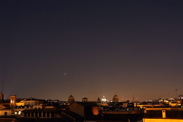 Venus and Jupiter shine in from of the Lion's mane: 01 July 2015