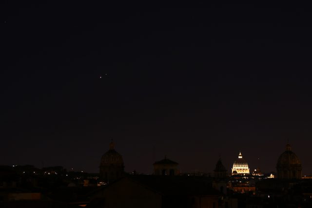 Venus, Jupiter and S. Peter from Capitoline Hill in Rome: 01 July 2015