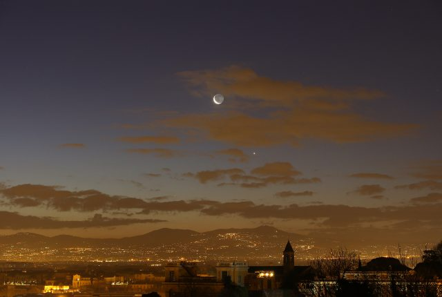The Moon, Venus and Mercury as seen in a larger field of view