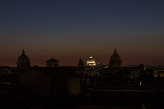 S. Peter dome stands out in the twilight, soon after Venus and Jupiter disappeared below the horizon