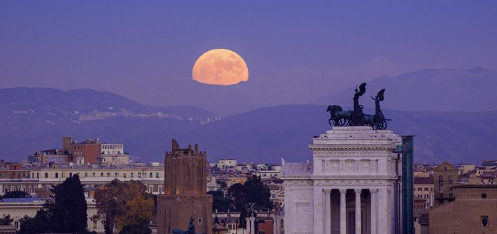 "The Supermoon is rising above Rome on 13 Dec. 2016, with the ""Nero's Tower"" and the ""Altar of the Fatherland"" well visible"