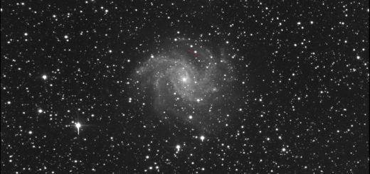 Supernova SN 2017eaw and NGC 6946: 25 May 2017