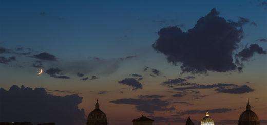 The Moon and Mercury above the western horizon, with the St. Peter's Dome on the right.