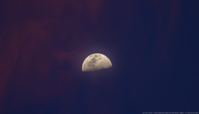 The Moon at sunset, dressing with elegant colors, ready for the InOMN 2017 party - 28 Oct. 2017