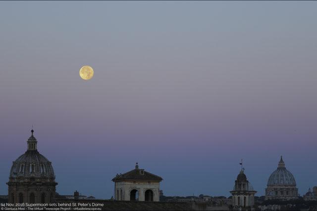 """The 14 Nov. 2016 Supermoon sets behind St. Peter's Dome. - La """"Superluna"""" del 14 novembre 2016 tramonta dietro la Cupola di S. Pietro."""