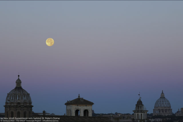 "The 14 Nov. 2016 Supermoon sets behind St. Peter's Dome. - La ""Superluna"" del 14 novembre 2016 tramonta dietro la Cupola di S. Pietro."