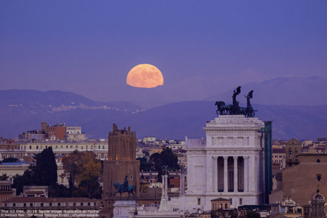 "The 13 Dec. 2016 ""Supermoon"" rises above the ""Altar of the Fatherland"" in Rome - La ""Superluna"" del 13 dicembre 2016 sorge sull'Altare della Patria, a Roma."