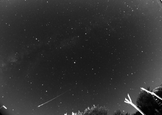 A bright Perseid meteor imaged on 12 Aug. 2017