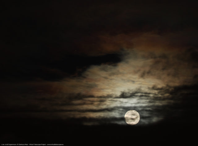 The 1 Jan. 2018 New Year's Supermoon was playing with clouds