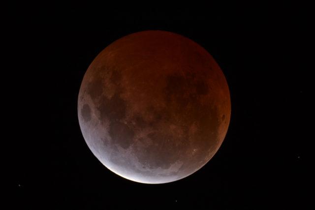 The 4 April 2015 Lunar Total Eclipse © Dean Hooper