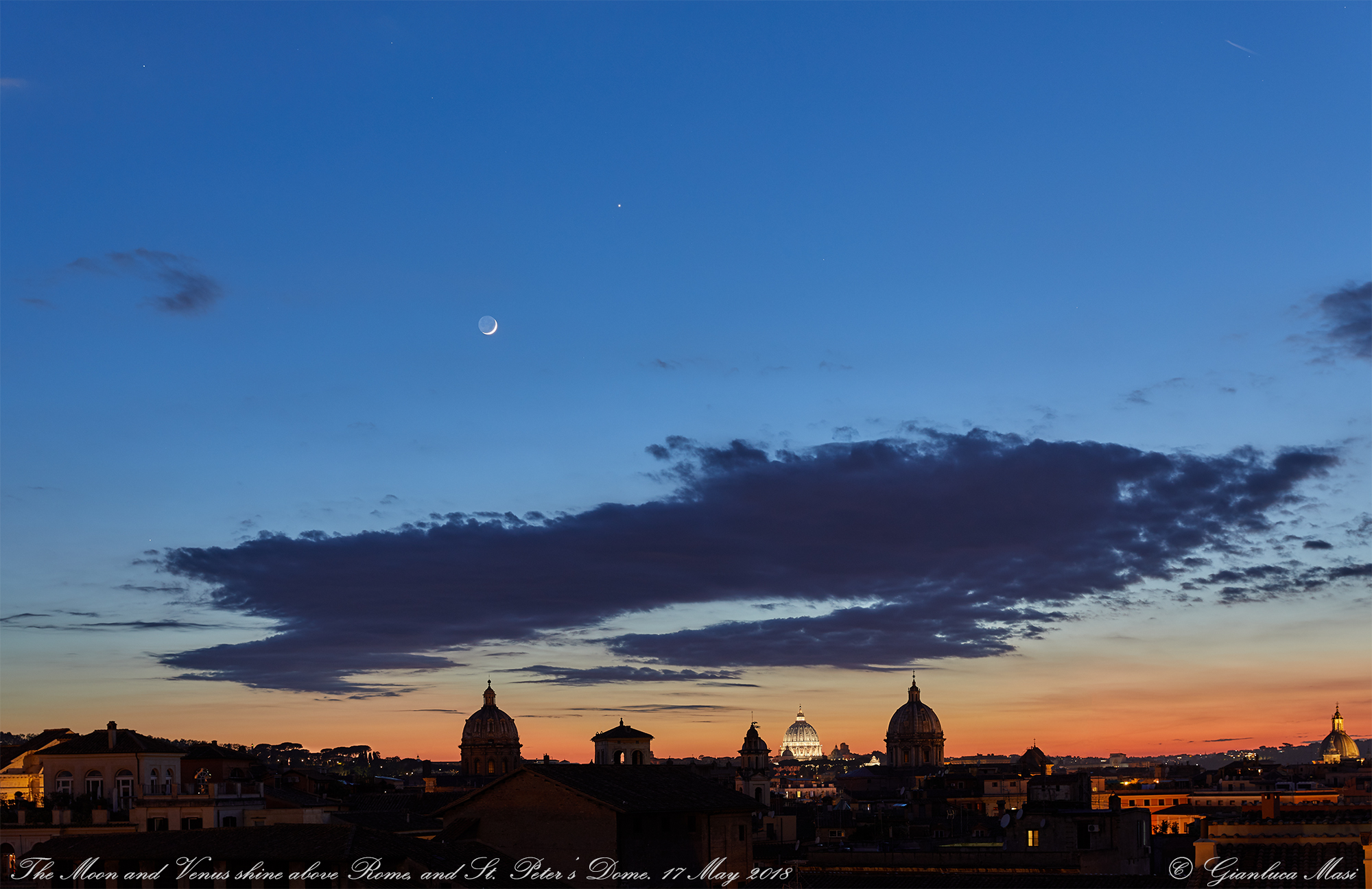 The Moon and Venus make a unique show above the western skyline in Rome. 17 May 2018