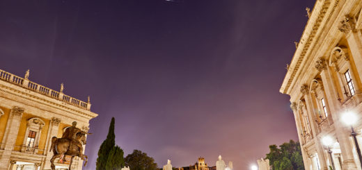 The Iridium 35 satellite shines as bright as mag. -7.5 above Marcus Aurelius statue, in Rome - 21 July 2018