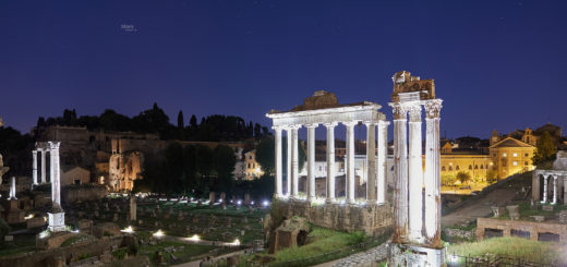 Saturn and Mars above the Temple of Saturn and the Temple of Vespasian and Titus, in the Roman Forum - 28 Aug. 2018