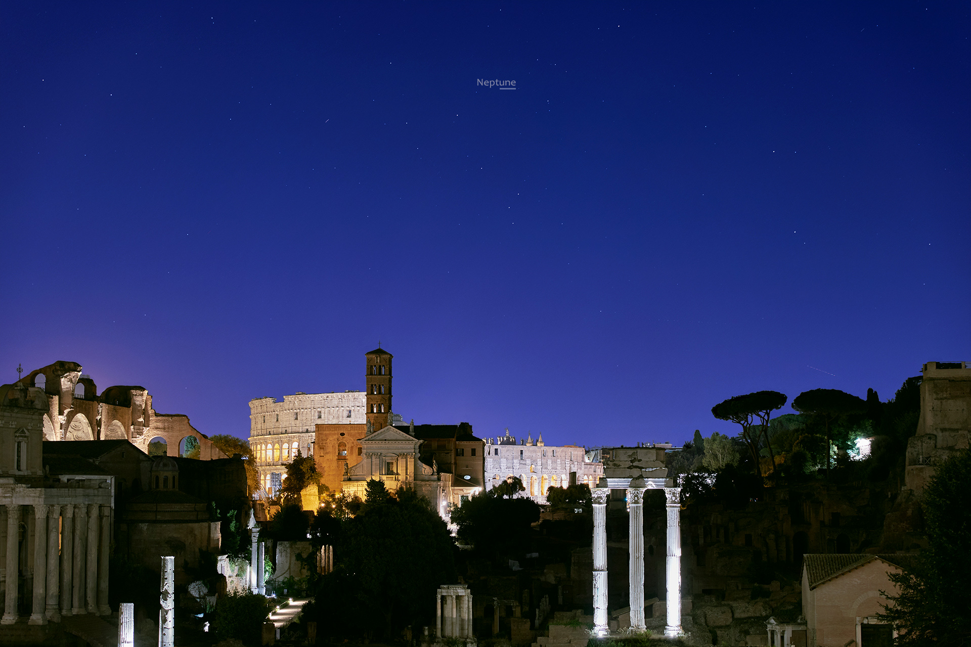 Planet Neptune is visible above the Colosseum and the Roman Forum - 28 Aug. 2018