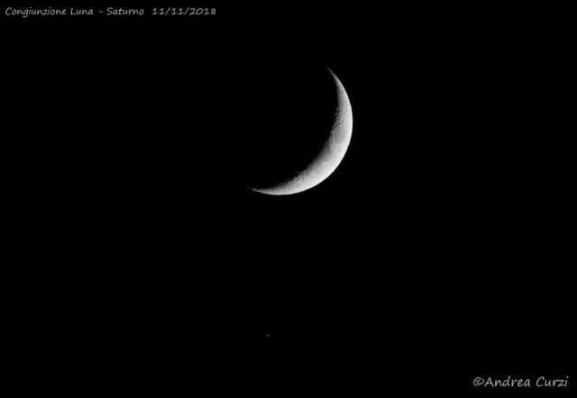 The Moon and Saturn: the planet is on the bottom and shows an hint of its rings: 11 Nov. 2018