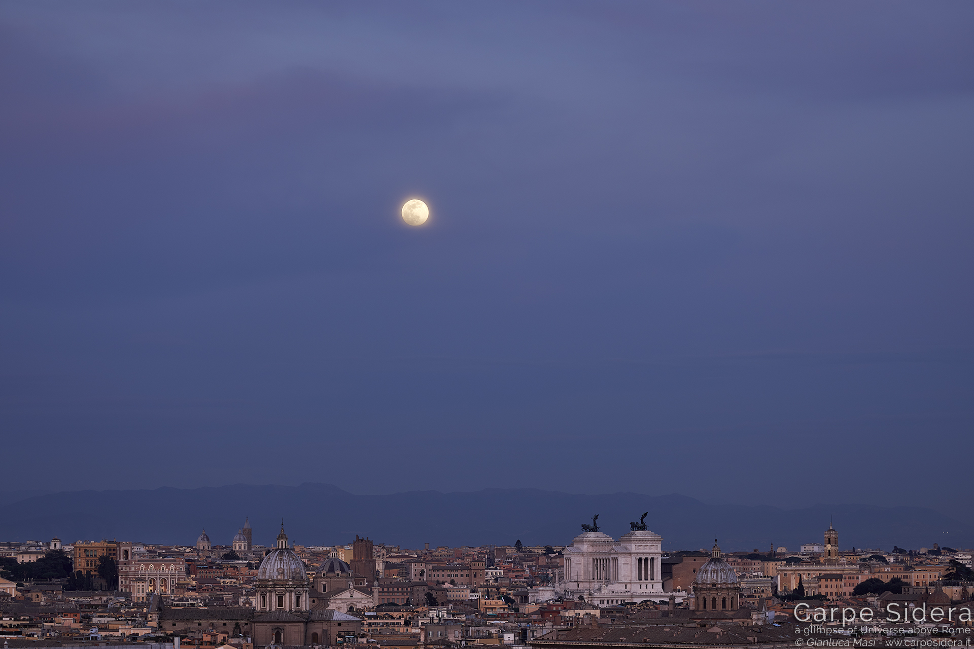 The Supermoon finally showed in the evening evening, while the twilight was quickly fading.