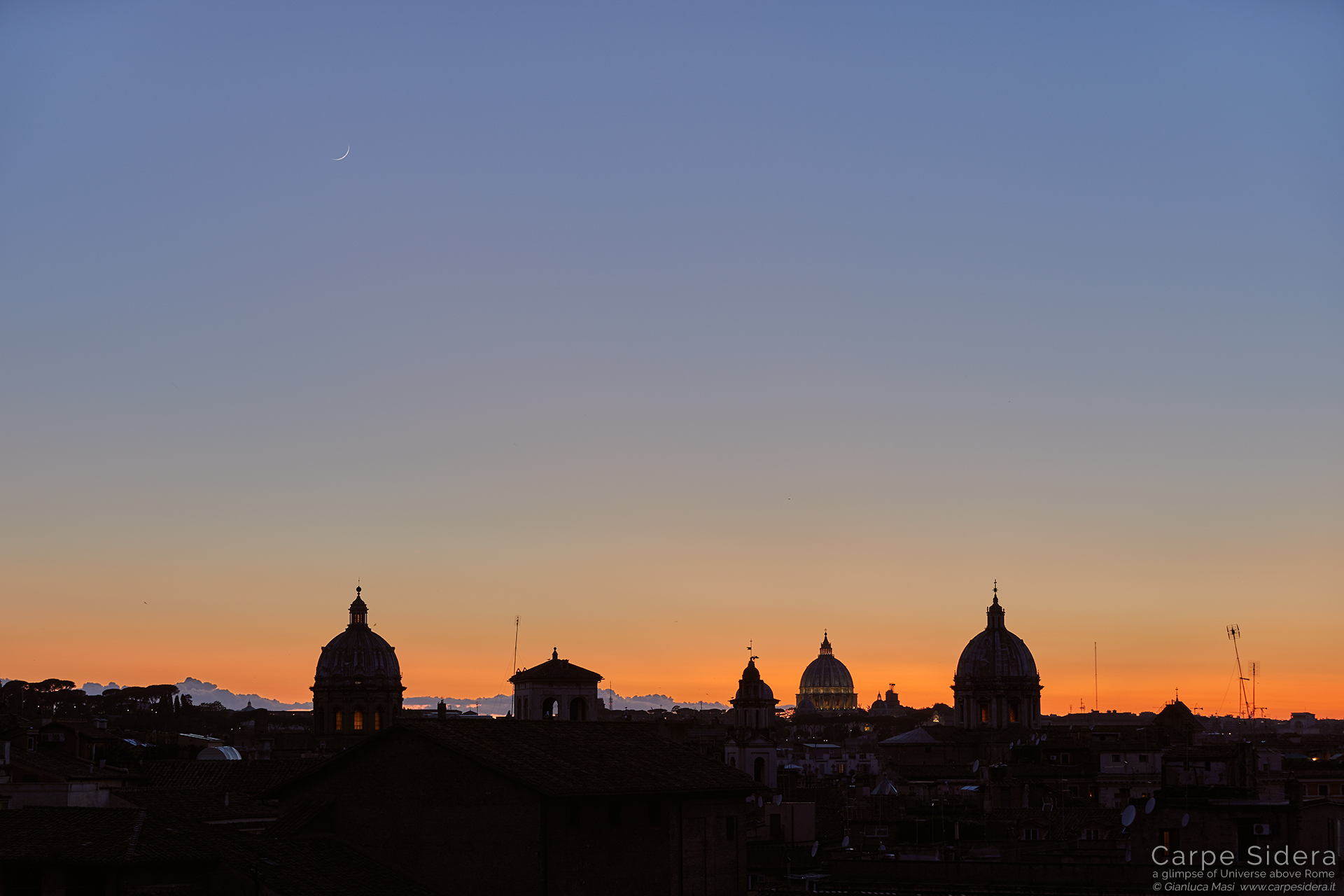 The first evidence of the Moon crescent above the skyline of Rome