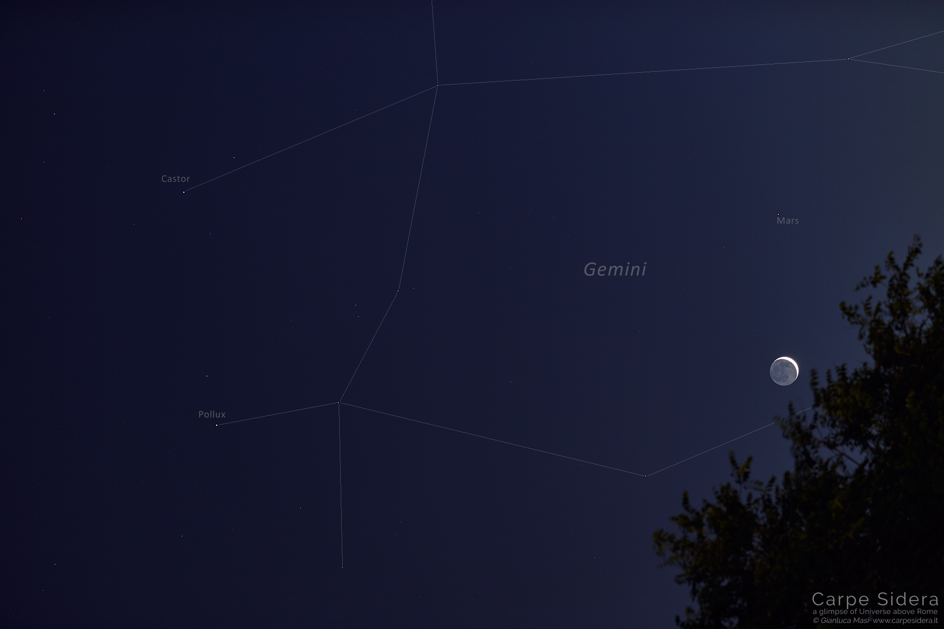 """The Moon and Mars hosted by the Gemini (""""Twins"""") zodiacal Constellation - 5 June 2019"""
