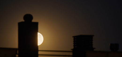 The Flower Supermoon was playing hide and seek with the roofs of Rome - 7 May 2020.