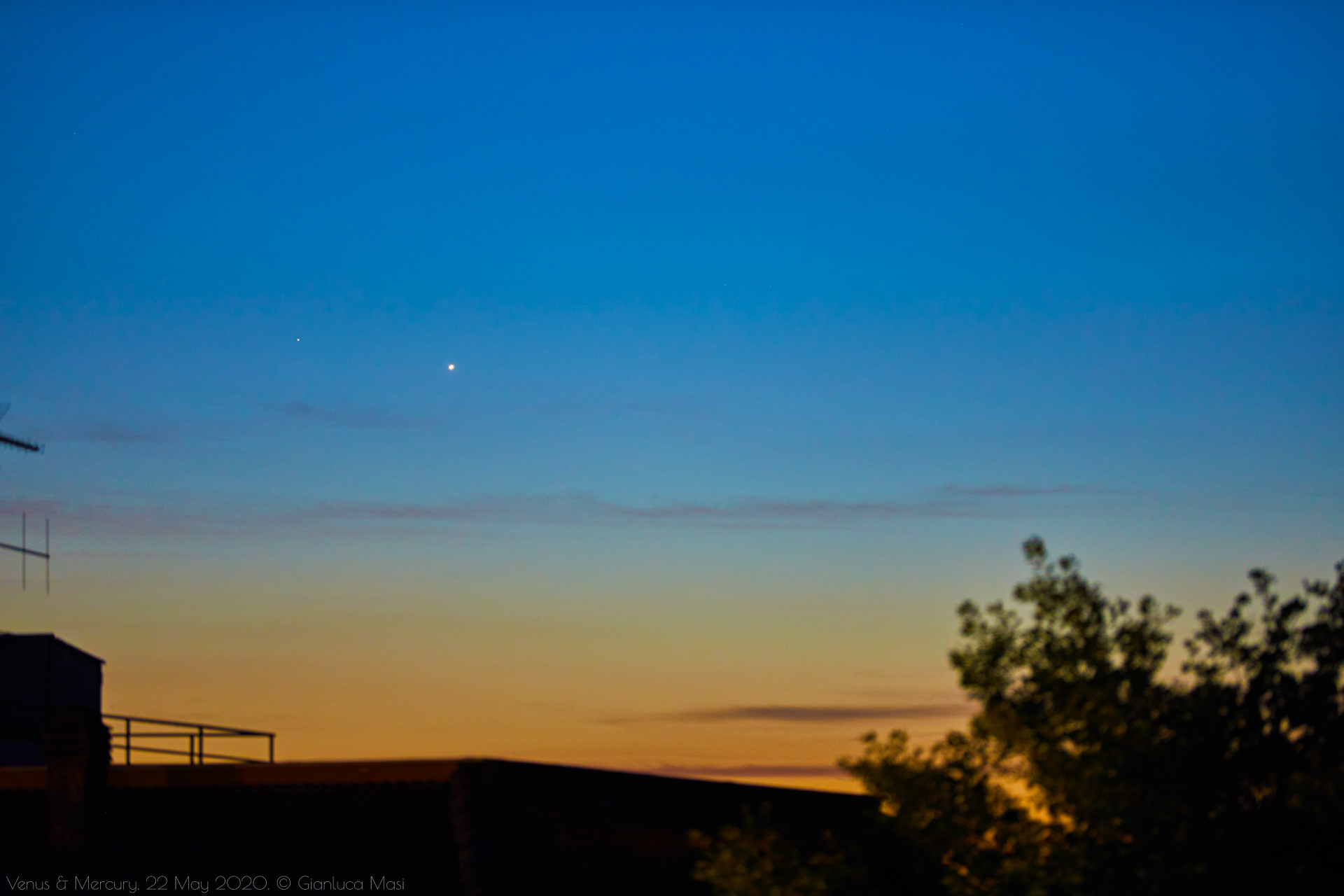 Venus and Mercury prepare to set together - 22 May 2020.