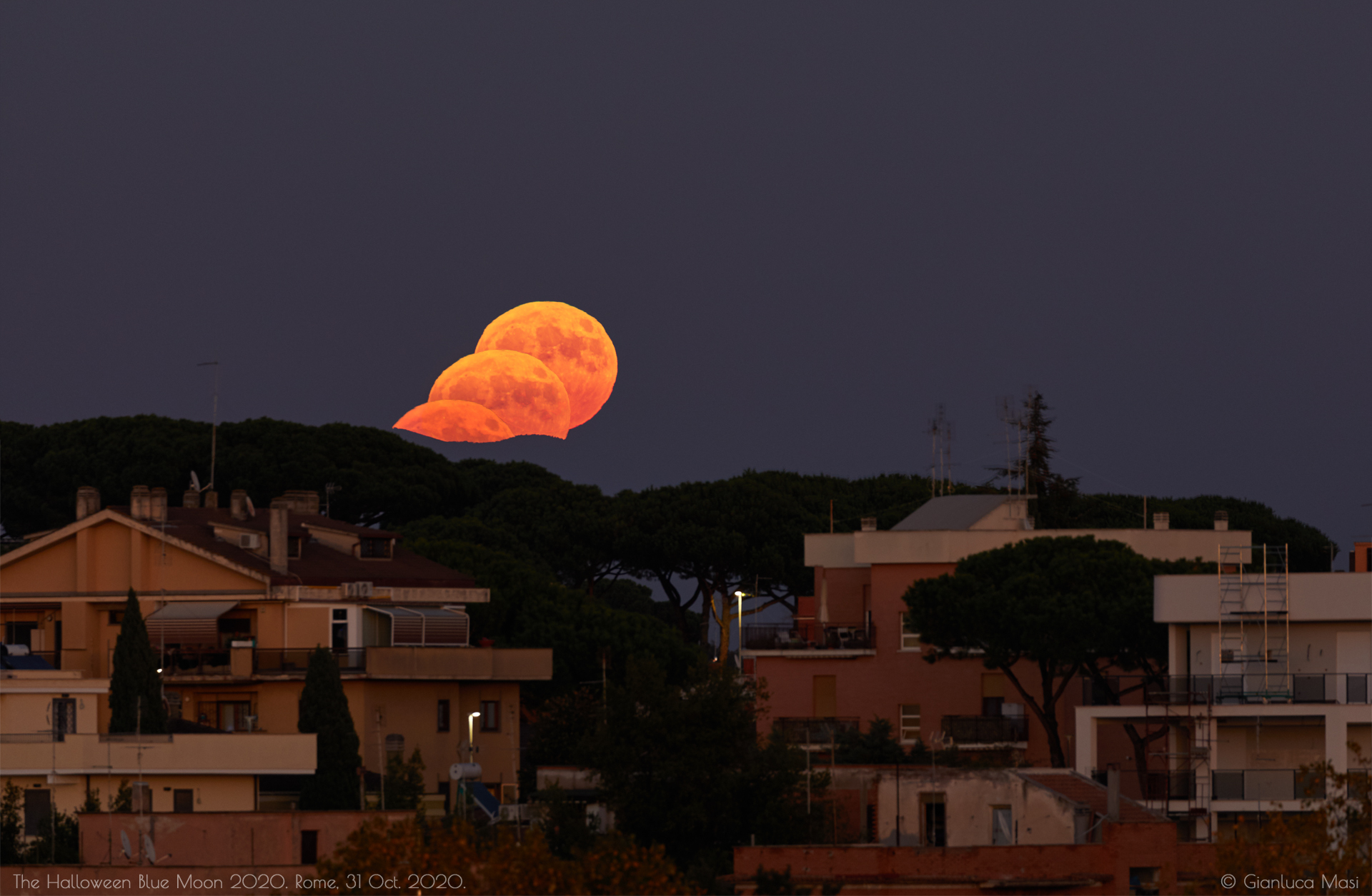 "The lunar ""Trick or Treat"". Rome, 31 Oct. 2020."