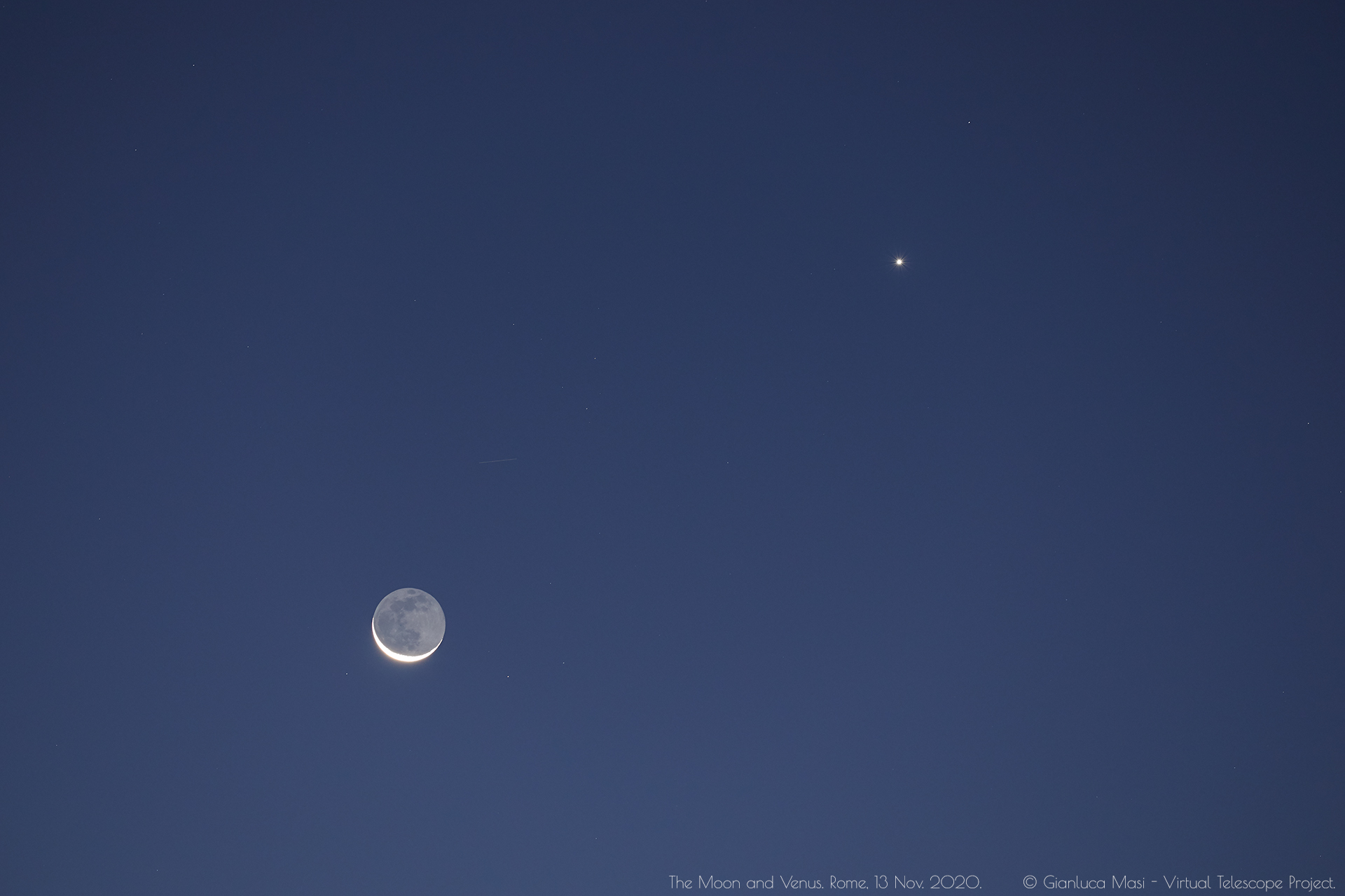 The Moon and Venus. 13 Nov. 2020.
