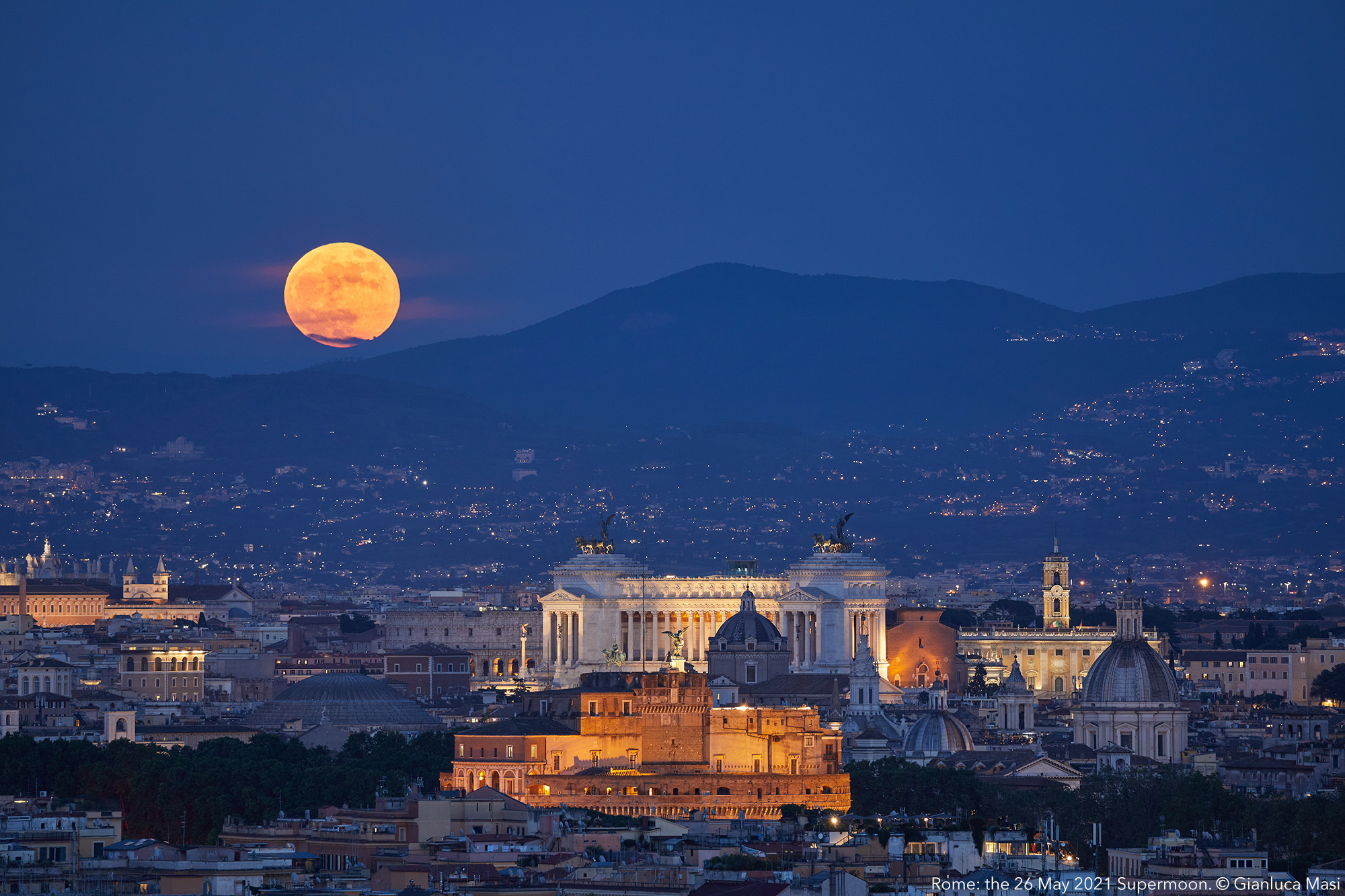 The Flower Supermoon rises above Rome. 26 May 2021.